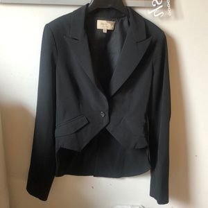 Elizabeth and James Penguin high low blazer 4